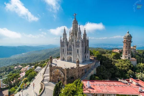Тибидабо, откуда открывается прекрасный вид на Барселону