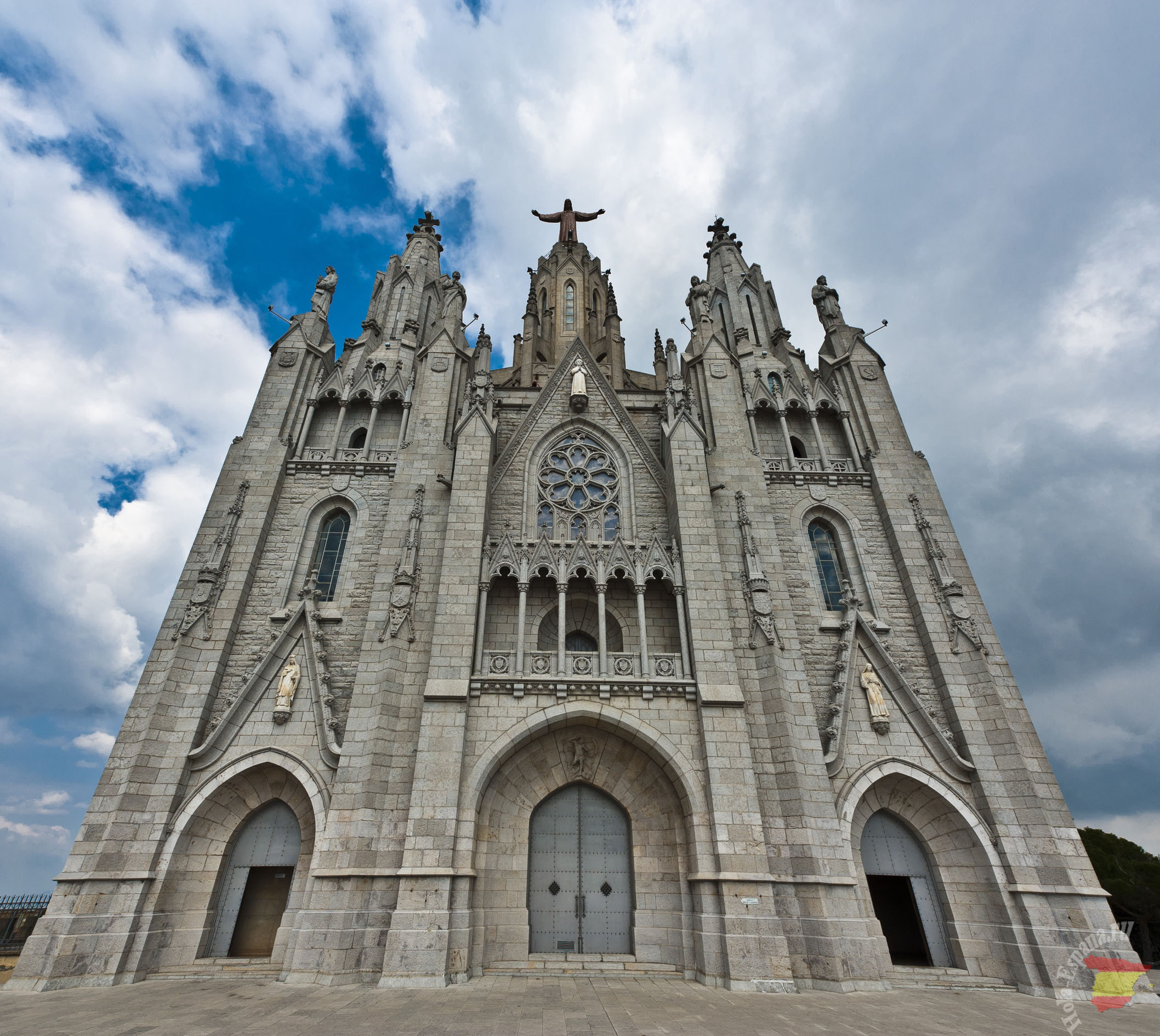 Знаменитый храм в Барселоне