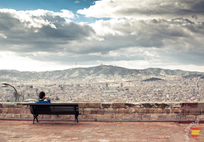 Красивый вид на знаменитый испанский город