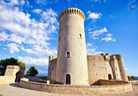 Средневековый замок Бельвер