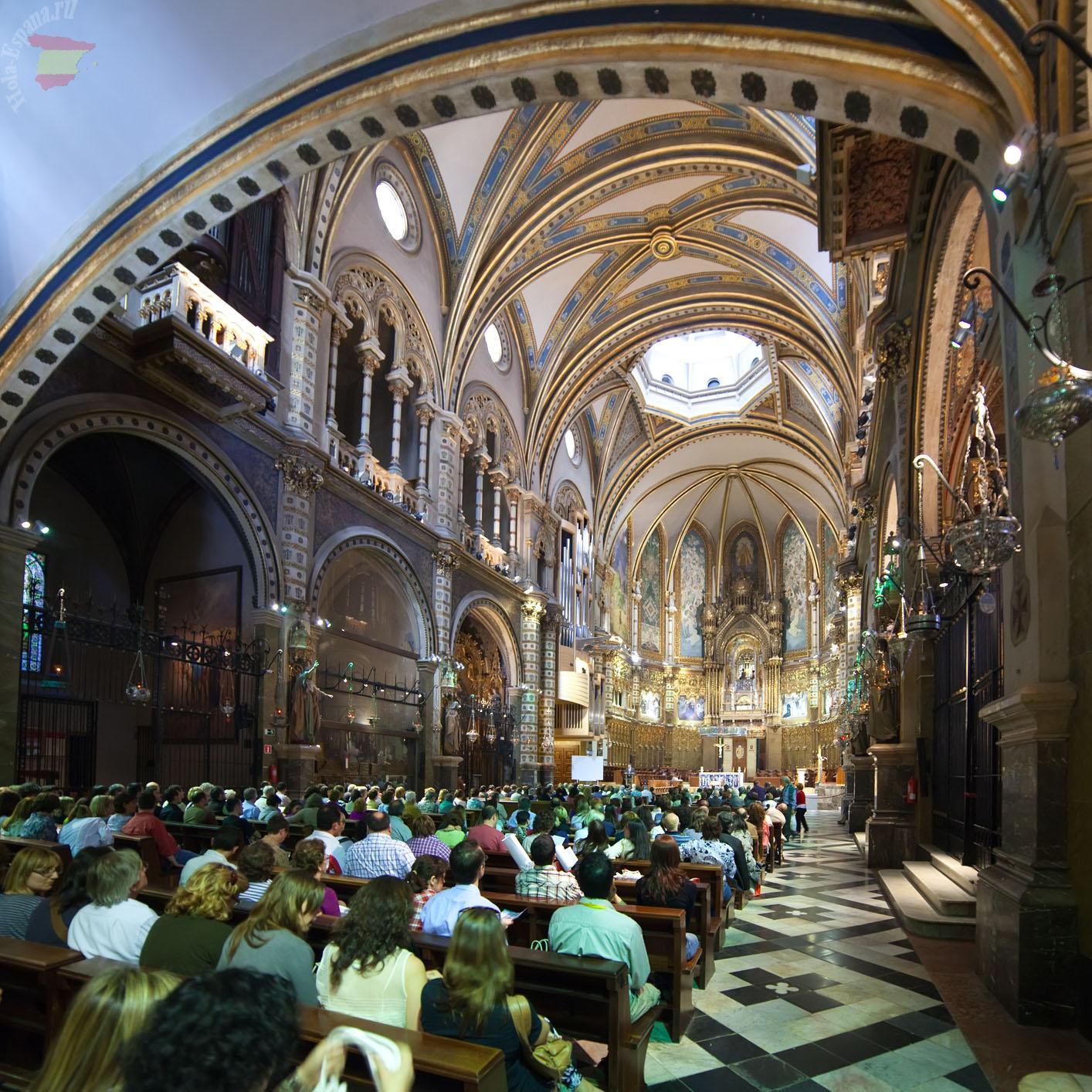 Интерьер церкви Santa Maria de Montserrat