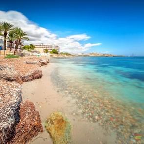 Один из пляжей острова Ибицы