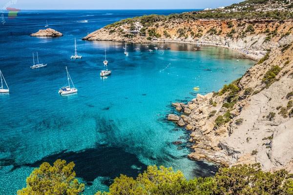 Cala d'Hort - знаменитый пляж на западном побережье