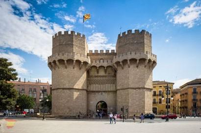 Башни Серранос в Валенсии