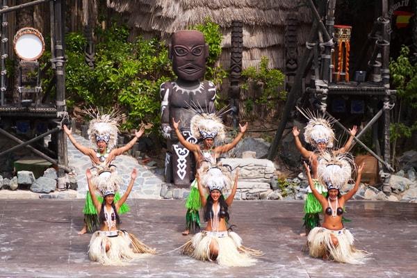 Порт Авентура и полинезийское шоу