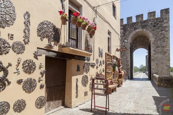 Бесалу, Испания